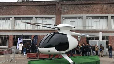 Salon des Métiers à Herstal: des dizaines de carrières potentielles. Sur la photo, une réplique de l'hélicoptère biplace Sherpa, un projet de l'entreprise Sagita.