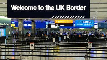 Variants du coronavirus: le Royaume-Uni ferme ses frontières aux arrivées d'Amérique du Sud et du Portugal