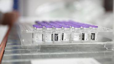 Coronavirus en Espagne: la région de Madrid interrompt ses vaccinations faute de doses