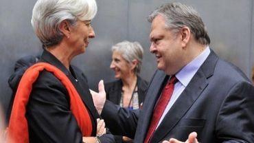 Le ministre des Finances grec Evangélos Vénizélos (D) s'entretient avec la directrice générale du FMI Christine Lagarde, le 19 juin 2011 à Luxembourg