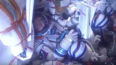 Le retour sur terre de trois astronautes en vidéo