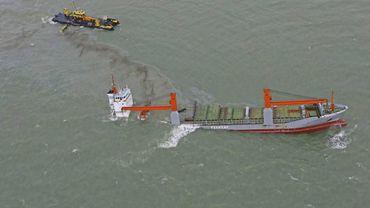 Collision navale au large de Zeebrugge: les travaux de pompage ont repris