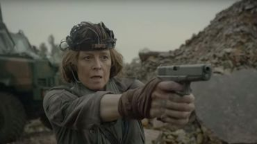 """Sigourney Weaver combat les envahisseurs dans """"Rakka"""""""