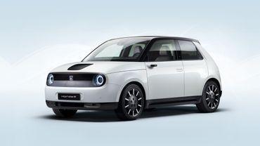 """La petite Honda e est l'une des finalistes au titre de """"Plus belle voiture de l'année"""" 2021."""