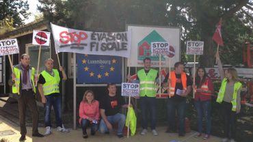 Une action des jeunes socialistes à la frontière belgo-luxembourgeoise.