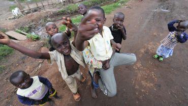 Enfants des rues à Kampala, capitale de l'Ouganda