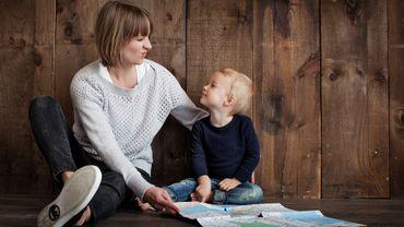 L'épuisement physique et émotionnel lié à l'état de parent fait partie de ces symptômes, ainsi qu'une distance progressive qui s'installe avec ses propres enfants.