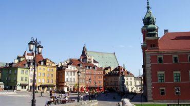 Visiter à Varsovie, les Grands Appartements du Château Royal, le Musée Chopin, le Palais sur l'Eau, les Jardins Royaux de Lazienki, pour y découvrir la célèbre statue du compositeur..