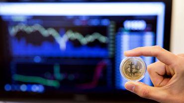 En l'absence de régulation de leur valeur, ces monnaies continueront à fluctuerjusqu'à l'éclatement. C'est ça leur réel attrait : échapper à tout contrôle.