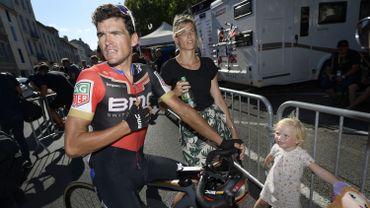 Greg Van Avermaet à l'arrivée de la 15ème étape, accompagné de sa copine et de sa fille