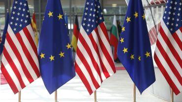 Etats-Unis et UE vont discuter de l'élimination de barrières douanières