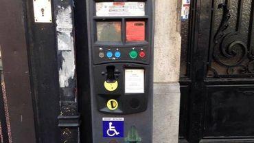Stationnement PMR payant: encore faut-il rendre les horodateurs accessibles
