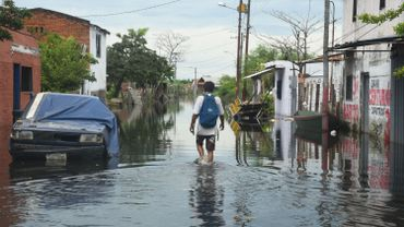 Inondations dans les rues de la capitale paraguayenne, ce 24 janvier
