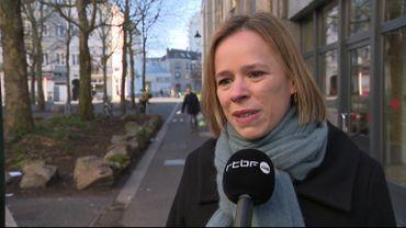 """Manif climat: Caroline Désir, ministre de l'Education: """" Je crois qu'on peut continuer avec des motifs d'absence signés par les parents """""""