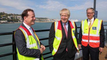 Charlie Elphicke (à g.), ici avec le Premier ministre Boris Johnson.