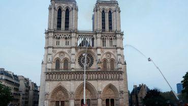 Incendie à Notre-Dame: pourquoi larguer de l'eau par les airs est impossible