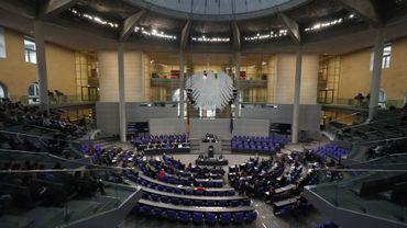 Le Bundestag, chambre basse du parlement allemand, a donné mercredi son feu vert à l'établissement du vaste fonds de secours aux grandes entreprises allemandes touchées par la pandémie de covid-19.