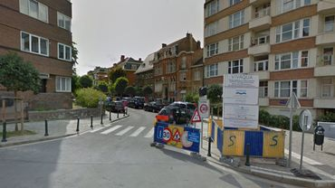 Une valise abandonnée à l'angle de l'avenue Wolvendael et de l'avenue A. Delvaux a suscité l'inquiétude.