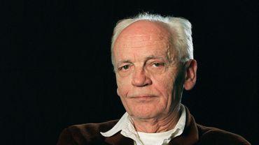 Romancier, essayiste, critique d'art, directeur de revue, Alain Jouffroy avait été récompensé par le prix Goncourt de la poésie en 2007 pour l'ensemble de son oeuvre
