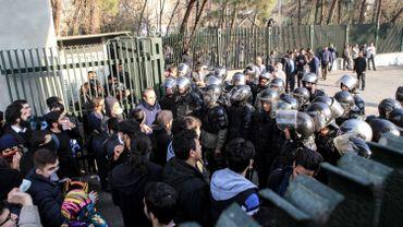 Quelque 200 manifestants ont été arrêtés samedi à Téhéran, a déclaré dimanche le vice-préfet de la ville