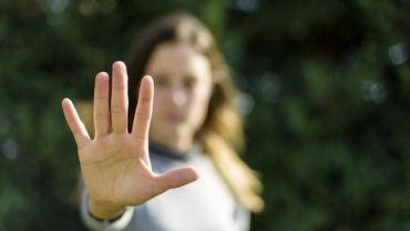 Selon l'enquête de l'Observatoire étudiant des violences sexuelles et sexistes dans l'Enseignement supérieur, une étudiante sur vingt déclare avoir subi un viol.