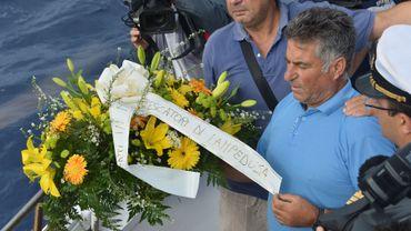 Hommage aux migrants à Lampedusa, il pourrait être 300 morts