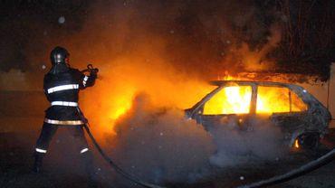 Interpellation après les incendies de voitures à Mons