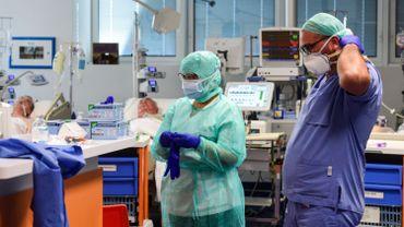 L'Italie compte 53.000 personnes contaminées.