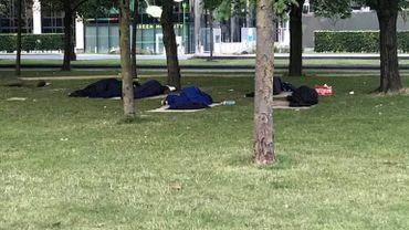 La situation des réfugiés au parc Maximilien empire: appel aux dons et aux bénévoles