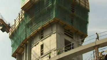 La future Tour des Finances est en cours de construction dans le quartier des Guillemins.