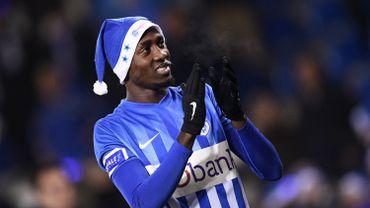 Ndidi, joueur prépondérant dans l'entrejeu de Genk ou de Leicester.