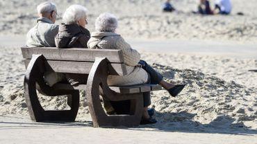 Une lampe intelligente pour détecter les chutes des personnes âgées