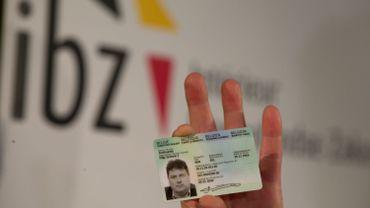Photo, empreintes digitales… voici tout ce qui va changer sur les cartes d'identité