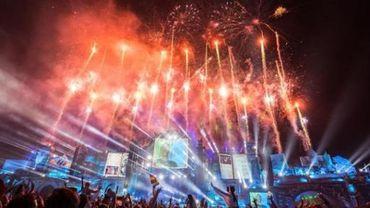 Tomorrowland - 3 Are Legend mettent un point final Tomorrowland avec de grands classiques dance