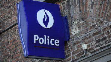 La police locale de Charleroi s'est rendue sur les lieux et a ouvert une enquête.