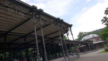 La galerie Léopold II et le pavillon Marie Henriette vont enfin être rénovés. Début des travaux le 14 septembre.