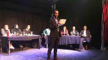 Élections à Molenbeek : de jeunes électeurs titillent les candidats