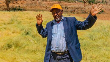 Abo Hawi, chef de village depuis 30 ans, a initié avec succès une transition verte dans sa région.