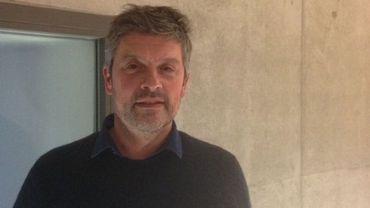 Denis Gielen, le nouveau patron du Mac's, achève le montage de sa première expo comme directeur