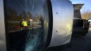 Un accident de voitures fictif lors d'un exercice de la Croix-Rouge en mars 2015.
