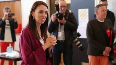Nouvelle-Zélande: Jacinda Ardern largement en tête des élections