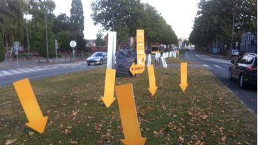 Des flèches jaunes pour attirer l'attention des automobilistes