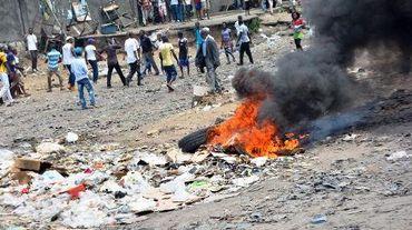 Des manifestants protestent le 20 janvier 2015 à Kinshasa contre l'éventualité d'un report des élections présidentielles, prévues fin 2016