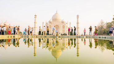 La démocratisation du tourisme à l'intérieur de l'Inde contribue à la hausse de la fréquentation du site, qui augmente notamment la pression sur ses fondations.