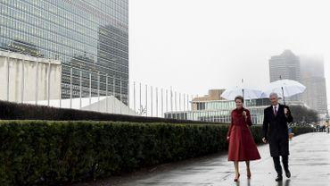 Le roi Philippe et la reine Mathilde devant le siège de l'ONU, ce 11 février 2020