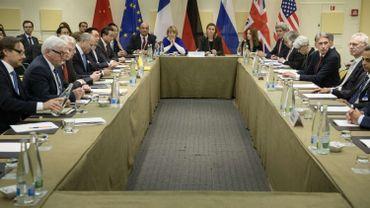 La table des negociations a Lausanne