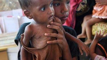 900.000 musulmans Rohingyas de Birmanie sont entassés aujourd'hui dans des conditions insalubres dans des camps de tentes dans le sud du Bangladesh.