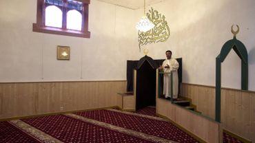Plan anti-radicalisation: des moyens vont être dégagés pour rémunérer 80 nouveaux imams