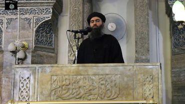 Extrait d'une vidéo diffusée le 5 juillet 2014 par Al-Furqan montrant le chef du groupe jihadiste Etat islamique (EI), Abou Bakr al-Baghdadi, à Mossoul