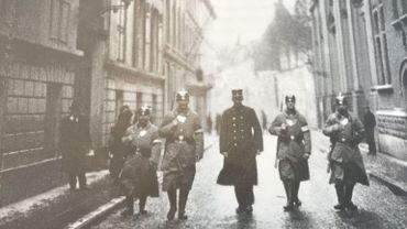 Police et Polizei dans les rues de Bruxelles, publiée dans l'Evénement Illustré, mars 1915